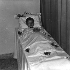 Dutch boy on his deathbed (1971)