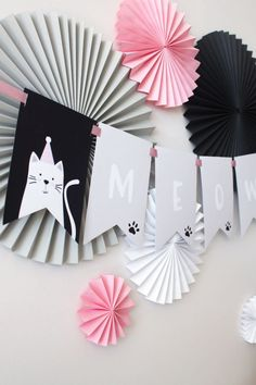 Cat Birthday Party - Meow cat banner from a cat birthday party to Kara's party ideas bday party ideas Birthday Table, Cat Birthday, 2nd Birthday Parties, Birthday Party Decorations, Birthday Centerpieces, Kitty Party, Fete Emma, Cat Themed Parties, Mouse Parties