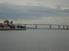 Ponte Rio-Niterói em Niterói, RJ. Fevereiro 2016. Foto de Carolina Belo. #baiadeguanabara #labhidro #ufrj #ponte #ilha
