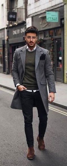 Best Dressed Celebrities Who Stole The Spotlight - Mens dress outfits - Mens Dress Outfits, Men Dress, Formal Outfits, Men's Outfits, Winter Outfits, Business Casual Men, Men Casual, Casual Styles, Smart Casual