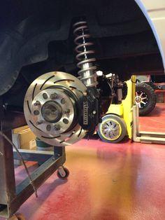 Strange 4 piston brakes, strange rear coil overs
