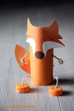 Toilet Paper Roll Crafts - Get creative! These toilet paper roll crafts are a great way to reuse these often forgotten paper products. You can use toilet paper rolls for anything! creative DIY toilet paper roll crafts are fun and easy to make. Kids Crafts, Fox Crafts, Puppet Crafts, Animal Crafts, Creative Crafts, Crafts To Make, Craft Projects, Toilet Roll Craft, Toilet Paper Roll Crafts