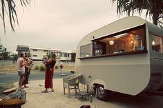 Vintage Caravan 1952 restoration to mobile bar Retro Caravan, Caravan Bar, Caravan Ideas, Camper Ideas, Catering Trailer, Food Trailer, Vintage Caravans, Vintage Trailers, Caravan Conversion