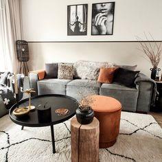 I like this livingroom setup it has a nice color balance Living Room Interior, Home Living Room, Apartment Living, Home Interior Design, Living Room Designs, Living Room Decor, Living Spaces, Appartement Design, House Inside