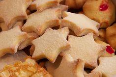 Resep l Martjie se vanieljekoekies Cookie Recipes, Snack Recipes, Snacks, Good Food, Yummy Food, Tasty, South African Recipes, Biscuit Cookies, Cheese Platters