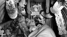 Google Image Result for http://static.bbc.co.uk/history/img/ic/640/images/resources/topics/christmas_in_world_war_two.jpg