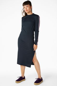 Long dress with cutout back detail - Midnight hour/Sleek stripes - Dresses - Monki ES