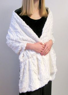 Faux fur wraps for evening wear, white faux fur wrap for your wedding bridal dress will look amazing. Buy wedding wraps on sale up to 70% off.