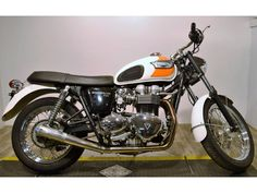 Check out this 2007 Triumph T100 Bonneville listing in Wauconda, IL 60084 on Cycletrader.com. It is a Standard Motorcycle and is for sale at $4299.