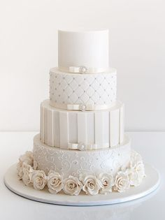 White Wedding Cakes - These gorgeous wedding cake pictures are sure to inspire your wedding cake design. From simple to elegant to chic wedding cakes, there is something for every taste - no pun intended. White Wedding Cakes, Elegant Wedding Cakes, Beautiful Wedding Cakes, Gorgeous Cakes, Wedding Cake Designs, Pretty Cakes, Amazing Cakes, Wedding White, White Cakes