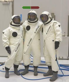 Hydrazine astronauts! :) Wearing the Ergolier hazmat suit MT @ESA_EO Sentinel1, fuelled and ready for 3 April launc