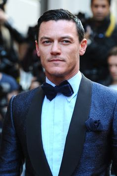 Luke Evans in Gieves and Hawkes tuxedo at the GQ Men of the Year Awards. #suits