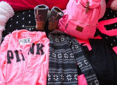 Perfect comfy day outfit for a common white girl Lazy Day Outfits, Pink Outfits, Winter Outfits, Cute Outfits, Teen Fashion, Winter Fashion, Fashion Outfits, Womens Fashion, Victoria Secret Outfits