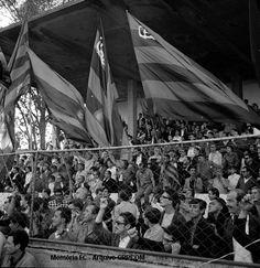 Torcida no final dos anos 60 na Baixada. Clube Atlético Paranaense