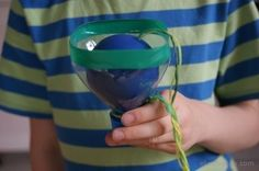 Łapanka- zabawka zręcznościowa z plastikowej butelki. Recycling:) Round-up toy arcade made from plastic bottle for kids