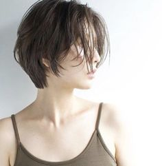 Hair that you just want to run your hands through. Japanese Short Hair, Asian Short Hair, Asian Hair, Short Hair Cuts, Short Hair Tomboy, Girl Short Hair, Tomboy Hairstyles, Pretty Hairstyles, Q Hair