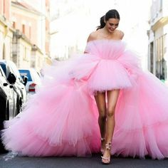 Amazing / Unique High Low Candy Pink Evening Dresses 2018 A-Line / Princess Spaghetti Straps Sleeveless Asymmetrical Ruffle Backless Formal Dresses Ball Dresses, Ball Gowns, Short Dresses, Formal Dresses, Short Tulle Dress, Ombre Prom Dresses, Senior Prom Dresses, Wedding Dresses, Couture Mode