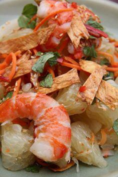 Healthy Vietnamese pomelo salad