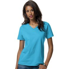 Hanes Relaxed Fit Women's ComfortSoft V-neck T-Shirt ($9.29) ❤ liked on Polyvore featuring tops, t-shirts, blue, pattern t shirt, blue v neck t shirt, v neck t shirts, hanes t shirts and print tees