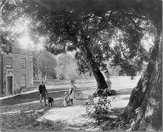 1930s:  Cecil Beaton and his sisters at Ashcombe