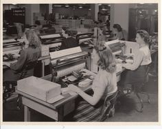 Transferring data from the 1940 census questionnaire to punch cards for tabulation. Learn more at http://www.census.gov/history/