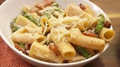 Cheesy Asparagus PastaDelish