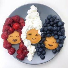 ways for your kids to eat more fruit - for . - EYES food fun ways for your kids to eat more fruit - for . - EYES food -fun ways for your kids to eat more fruit - for . - EYES food fun ways for your kids to eat more fruit - for . Cute Food, Good Food, Yummy Food, Breakfast For Kids, Breakfast Recipes, Pancake Breakfast, Pancake Party, Fun Breakfast Ideas, Funny Breakfast