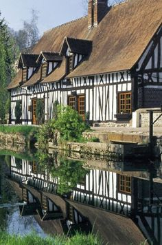 English Tudor-style - If there is such a thing as reincarnation, I think I must have lived in a home like this before.  I absolutely love this style & feel like I'm at home here.  I love everything about England!