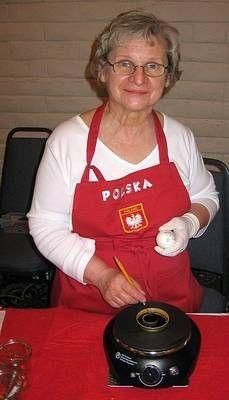 How to Make Polish Pisanki Easter Eggs for Beginners