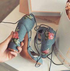 zapatos de tazón de mezclilla con bordado de flores