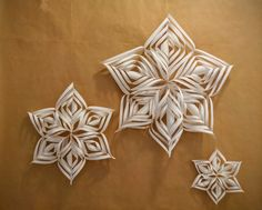 From Marr-Tina --> Paper Stars Diy Wedding Decorations, Paper Decorations, Christmas Decorations, Happy December, Star Diy, Paper Stars, Colored Paper, Winter Theme, Event Decor