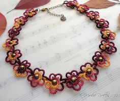 tatted necklaces   Yarnplayer's Tatting Blog: Tatted Flower Choker