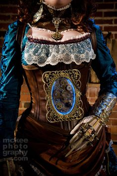 Steampunk outfit- I swear this is the same outfit one of the costumers wore on the show Oddities.
