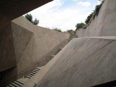 Martínez Lapeña-Torres - La Granja Escalator, Toledo 200. - Google Search