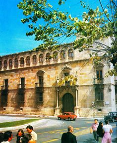 León, fotos antiguas, palacio de los Guzmanes hoy diputación de León