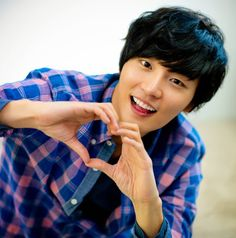 News: Yoon Shi Yoon Begins His Military Service I must say, it's amazing he's serving his country and I'm glad I saw this later when he's almost done with his two years. Asian Actors, Korean Actors, Korean Dramas, Korean Actresses, Hot Actors, Actors & Actresses, Dong Gu, Korean Drama Stars, Yoon Shi Yoon