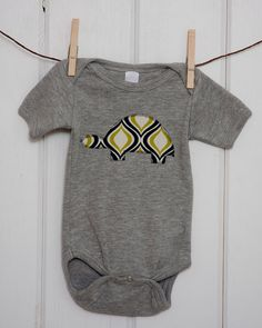 Baby Boys Clothing // Heather Gray Onesie with Turtle Applique // Size 0-3 months // Navy and Green // Baby Boy Clothing // Turtle Onesie