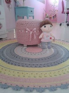 New Basket Crochet Stitch Baby Blankets Ideas Crochet Doily Rug, Crochet Carpet, Crochet Mandala Pattern, Crochet Round, Crochet Stitches, Crochet Patterns, Knit Rug, Crochet T Shirts, Crochet Home Decor