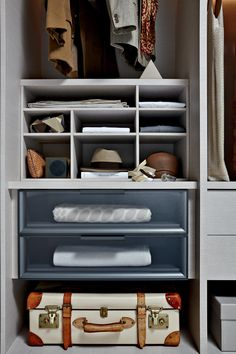Buy Gliss Master A Filo Wardrobes by Molteni&C from our designer Bedroom Furniture collection at Chaplins - Showcasing the very best in modern design. Loft Closet, Closet Space, Walk In Closet, Closet Shelves, Bedroom Furniture, Furniture Design, Interior Styling, Interior Design, Set Of Drawers