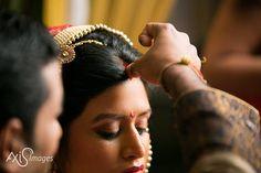 #sindoor #vermillion #gurgaon #wedding #thevisualstorytellers #photography #wedding  #creative #weddings #pioneers #pinterest #perfect #weddingmoments #axisimages #cinematicwedding #candidwedding #indianwedding #weddingstory
