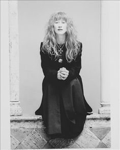 Loreena McKennitt's literate and sometimes experimental focus on Celtic-tinged traditional and original material, coupled with her haunting harp playing, has made her Canada's national chanteuse and new age troubadour since she broke through to prominence in the mid-'80s. The daughter of a nurse mother and a livestock-trading father, McKennitt studied classical piano and voice and learned to dance in the highland style as a youngster.