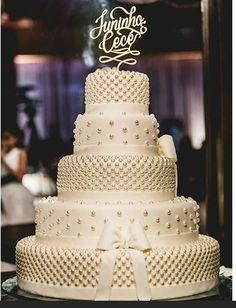 Bling Wedding Cakes, Wedding Dress Cake, White Wedding Cakes, Elegant Wedding Cakes, Wedding Cake Designs, Perfect Wedding, Dream Wedding, Wedding Day, Amazing Wedding Cakes