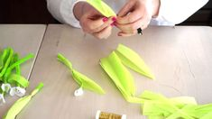 Schneeglöckchen basteln DIY Papierblumen aus Krepppapier & Seidenpapier Blog, Make It Yourself, Videos, Diy, La Mode, Decorating Ideas, Nature, Life, Food Recipes