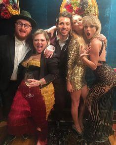"ohsoswiftly: "" "" elleking: We had the BEST night ever! Love you guys! @taylorswift @kelseaballerini@greatescapeglasgow 💁🏼👯🐣💋🌹💋❤️ "" """
