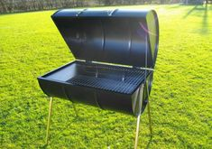 The Barrel Barbecue or is it barrel bbq or barrel bar-b-cue or even barrel barbeque, whatever you call them. UK supplier of Barrel Barbecues, in stock now ! Mini Barbecue, Barbecue Grill, Barrel Bbq, Metal Barrel, Best Charcoal Grill, Charcoal Bbq, Barbecue Original, Oil Drum Bbq, Barbeque Design