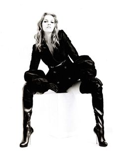 """Samantha Gradoville in """"Eight Best"""" by Pierre Even for Numéro China, September 2010"""