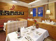 Kulinarischer Hochgenuss erwartet Sie in unserem Restaurant. Table Settings, Restaurants, Gourmet, Place Settings, Restaurant, Tablescapes