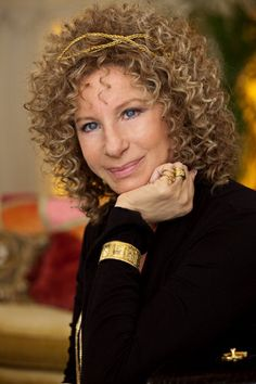 Oh Barbra, you look best with permed hair, in my opinion. Haircuts For Curly Hair, Permed Hairstyles, Curly Hair Styles, Barbara Streisand, Brooklyn, Medium Curly, Star Wars, Portraits, Female Singers