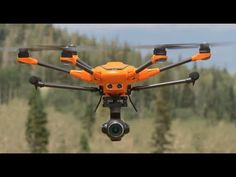 The video shows a short demonstration flight on Campo Volo Cugno in the province of Catania. Drones, Drone Photography, Meteorology, Finding Nemo, Italia
