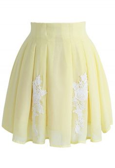Flower Keeper Pleated A-line Skirt in Yellow